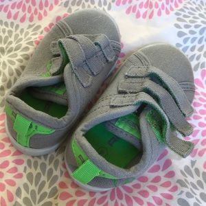 🏀 AND1 gray and green canvas baby shoes 4 EUC 🏀